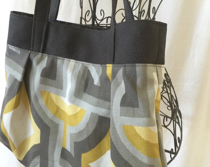 Sweet Pea Purse, Shoulder Bag, Purse, Medium Handbag, Comfortable Purse, Fabric Handbag, #4008