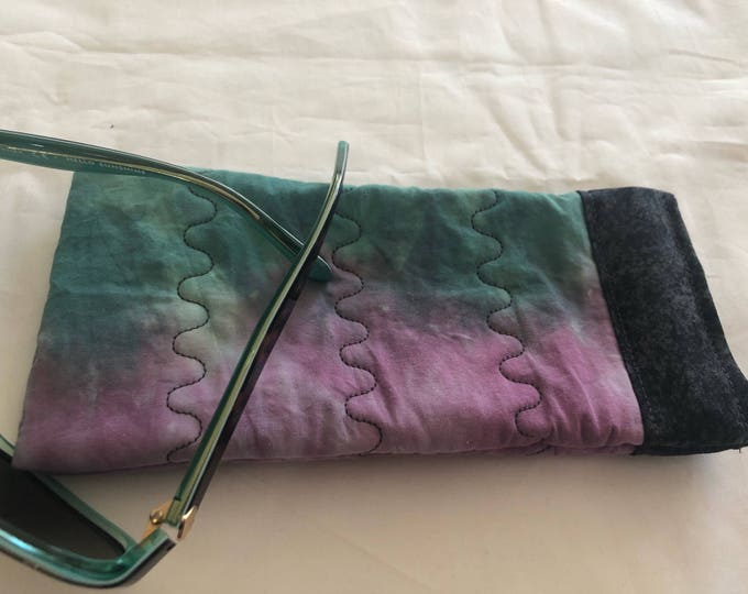 Soft sided sunglasses case, Tie Dye Pinch Open Sunglass Case, Padded Glasses Case, Easy Open/Close Sunglasses Case