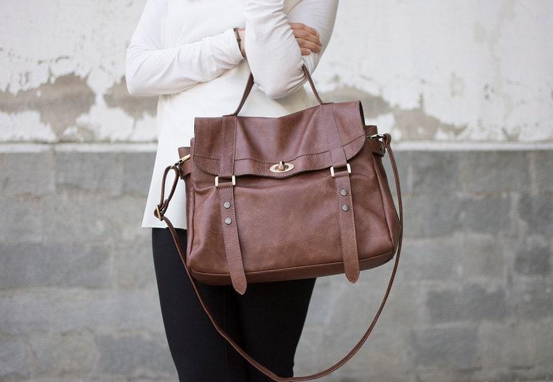 6c972679f3 Messenger bag sacoche en cuir femmes sac besace en cuir | Etsy