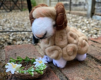 Woolfelted sheep