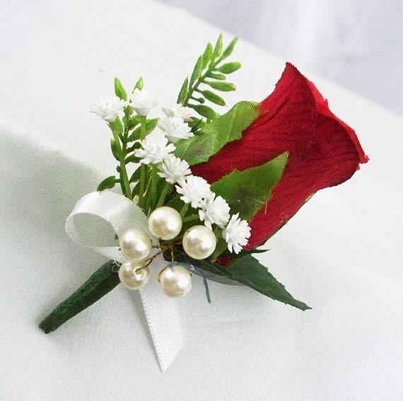 Boutonniere Red Rose flower Wedding boutonniere Woodland wedding Groomsmen corsage Black berries corsage Groom lapel pin Men/'s buttonhole