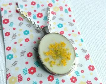 Yellow Flower Necklace, Botanical Jewellery,  Dried Flower Necklace, Real Flower Jewelry, Girlfriend Gifts, Boho Necklace, Wedding Jewelry