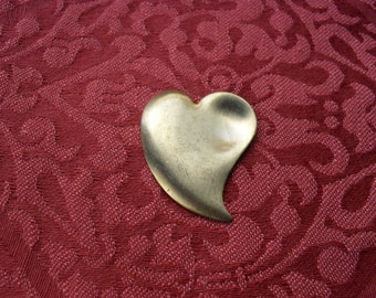 1  Vintage Brass Curved Heart Stamping    (large)