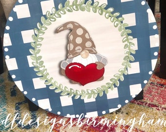 Gnome with heart attachment for door hanger interchangeable