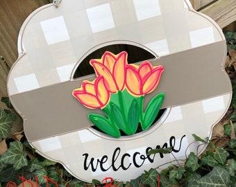 Spring tulip attachment for wreath door hanger