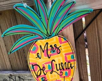 Pineapple door hanger with home sweet home