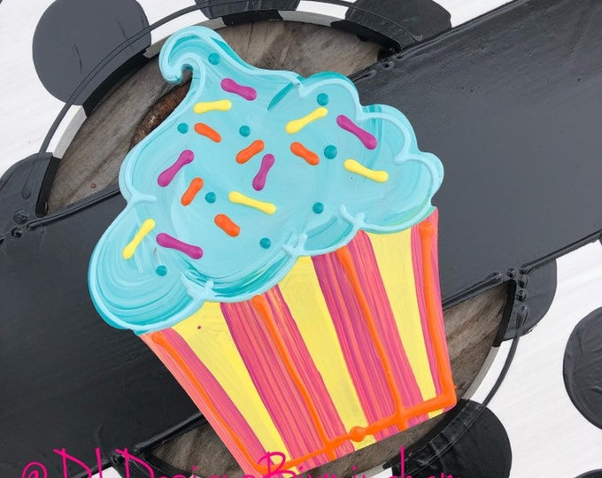 Cupcake door hanger attachments