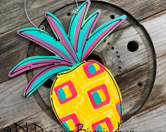 Pineapple door hanger with hand painted