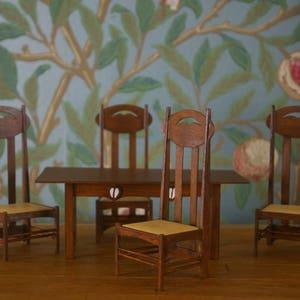 Escala 1//12th Dolls House Charles Rennie Mackintosh Miniatura Almofada Jacquard
