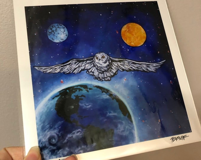 "8x8"" Snow Owl in Space metallic photographic print featuring artwork by Tracy Levesque"