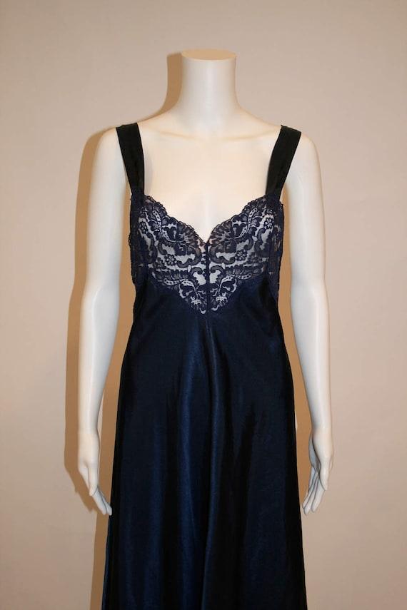 Vintage Vanity Fair Midnight Blue Nightgown - image 3