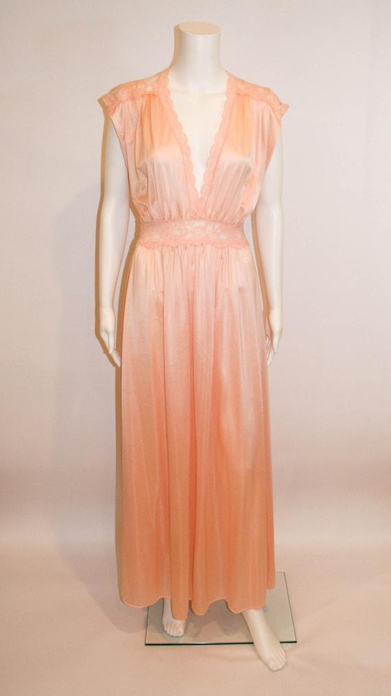 Beautiful Vintage Olga Peach Nightgown, Vintage Li