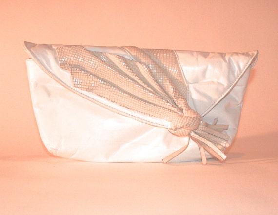 Vintage White Leather Clutch Style Handbag, Vintag