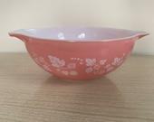 Pink Gooseberry Pyrex Bowl 444 Oval Mixing Serving Bowl, 4 Quart