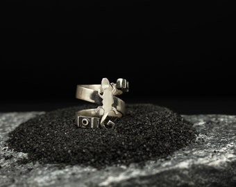 Salamander Motive Ring | Animal Jewelry | Nature Elements | Conceptual Jewelry | Unique Gift