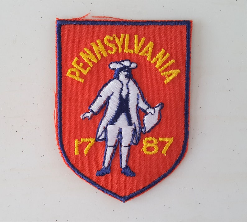 Vintage Pennsylvania 1787 Souvenir Travel Patch Embroidered Paul Revere Minutemen Revolutionary War Red Yellow Colonists
