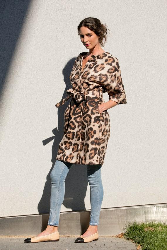 Donna Cappotto, Cappotto stampa animale, Cappotto Neoprene, Cappotto stravagante, Leopard Print Cappotto, Donne Trench Coat, Cintura Cappotto,