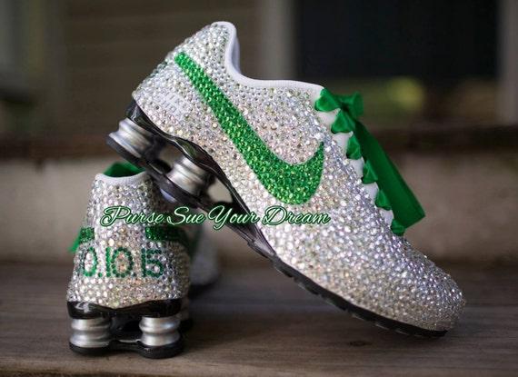 Custom Nike Shox conçu sur Nike mesure chaussures - cristal Swarovski Designs - Nike sur - mariage chaussure Nike - chaussures Nike mariée 4039d0