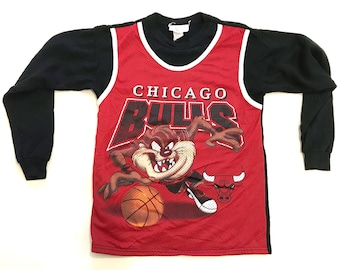 Vintage 1990s Long Sleeve Chicago Bulls Looney Tunes Taz Shirt