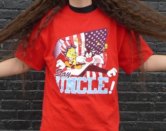 Vintage 1990s Looney Tunes TWEETY BIRD + SYLVESTER Say Uncle T-Shirt xL Red w/ American Flag