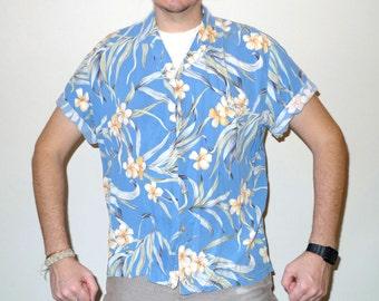 Vintage PARADISE FOUND Hawaiian Shirt Floral Motif
