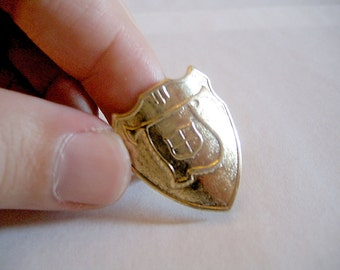 Vintage Shield Ring with Trumpet / Bugle and Cross Coat of Arms