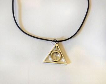 Triangle / Pyramid Choker Necklace