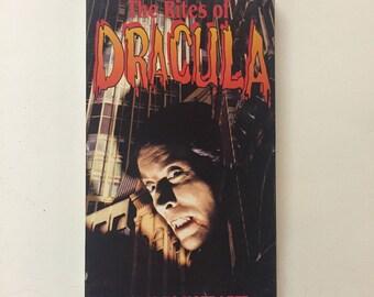 The (Satanic) Rites of Dracula (VHS, 1992) Christopher Lee, Peter Cushing