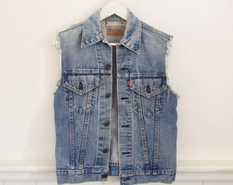 vintage 90s DESTRESSED LEVIS denim vest
