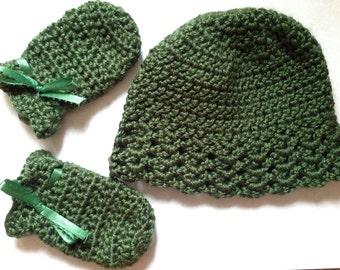 Hunter Green crochet baby hat and scratch mittens gift set  for baby girl or baby boy