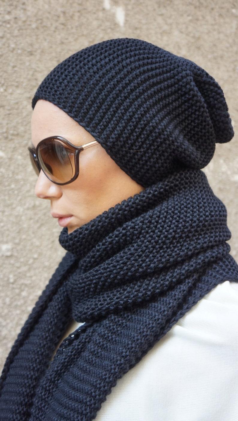 fd2eb162fc6 NEW Slouchy Woman s Black Warm Knit Hat   All Knit Warm