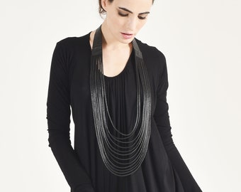 Extravagant Genuine Leather Necklace A90502