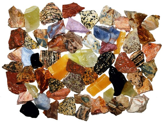 Wire Wrapping and Reiki Raw Natural Crystals /& Rocks for Cabbing Polishing Tumbling Fantasia Materials: 3 lbs Bulk Rough Madagascar Stone Mix with 30 Page Stone Info Book Lapidary