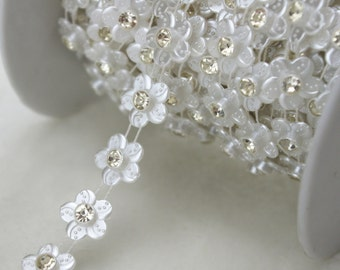 13mm White Flower Pearl and Rhinestone Chain Sewing Trims Cake Decoration  LZ110 b3f111cc1fe2