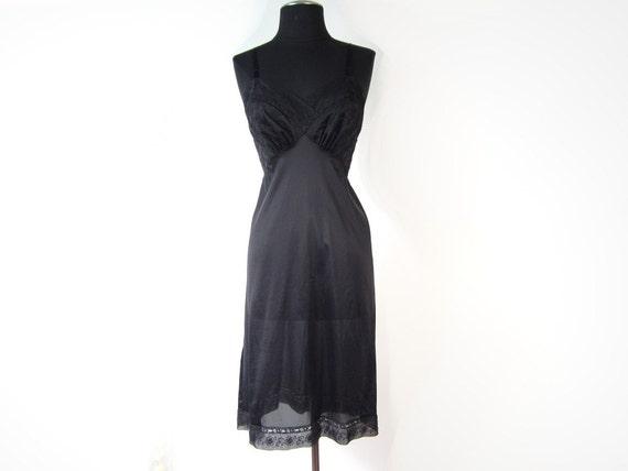 Nylon Skirt Slip Size M Medium 80s 90s Black Half Slip Simple Pleasures Vintage 1980s 1990s Lace Trim Hem