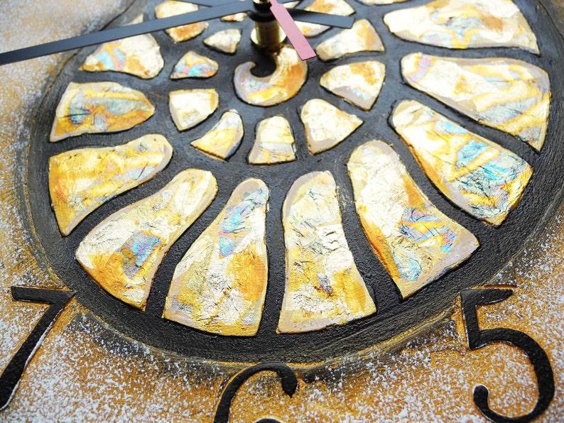 Grand or ammonite escargot horloge murale, décoration d'intérieur