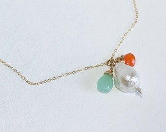 Large White Baroque pearl, Peruvian Chalcedony, Orange Carnelian and Labradorite 14K Gold Fill Necklace, Everyday jewelry, Gold Fill Chain