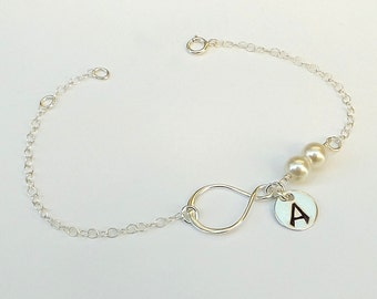Personalized bracelet. Mother of the bride. Infinity bracelet. Sister bracelet, best friend bracelet