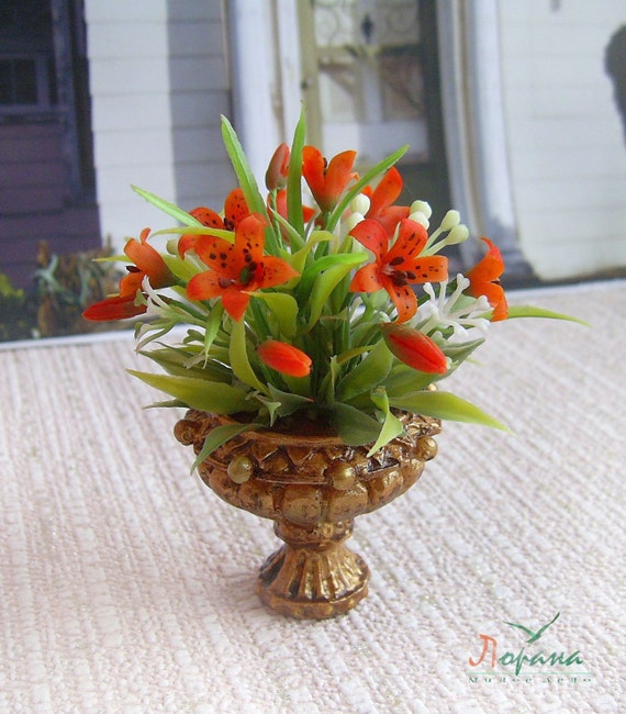 SCALA 1:12 Arancione Lily Fiori in un vaso doll house miniature Fiori Accessorio