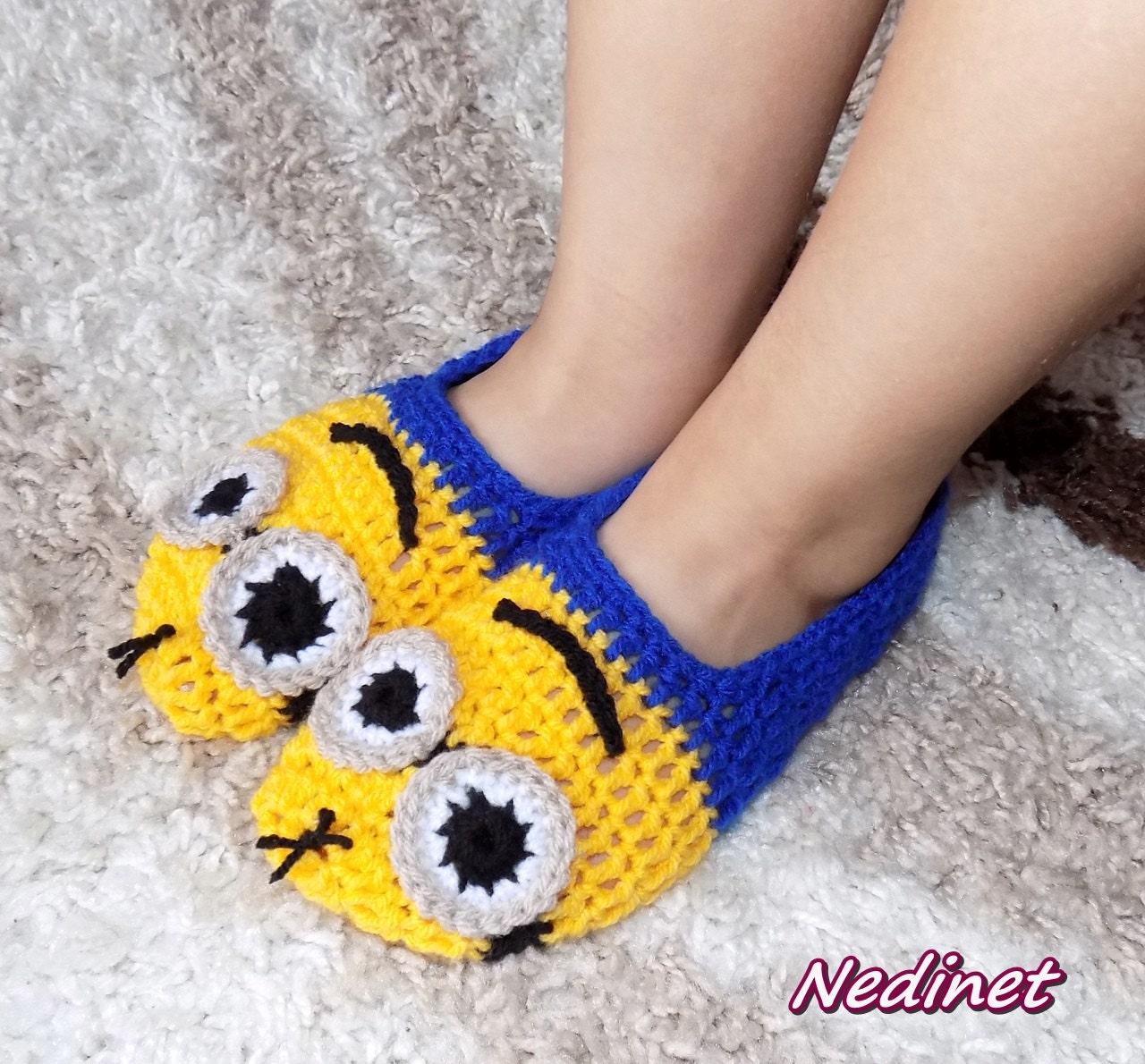 Crochet Minion slippers, Minion mittens, crochet pattern, crochet ...