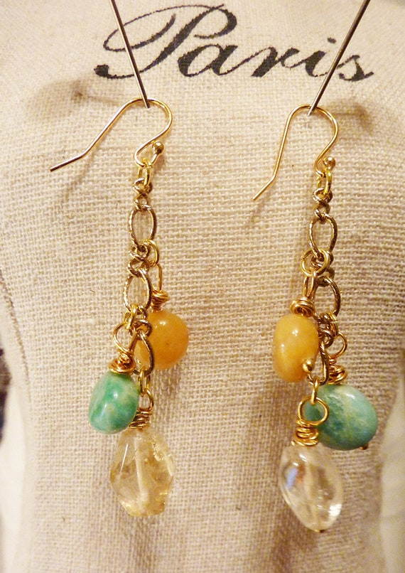 A PAIR OF ORANGE JADE GOLD PLATED DROP DANGLY EARRINGS NEW.