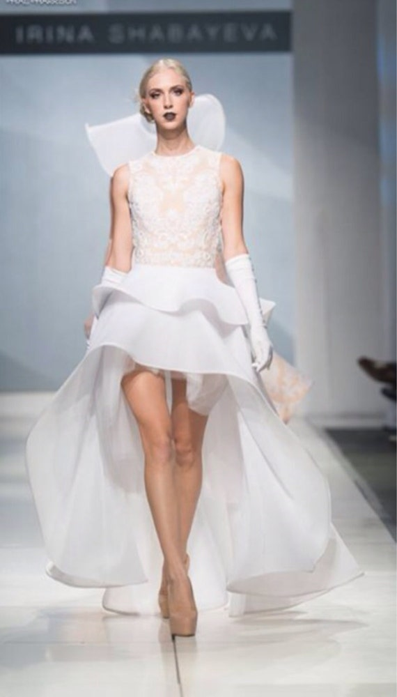 Irina Shabayeva beaded white lace applique two tiered high low hem gown.