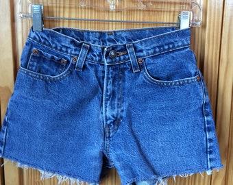 119ec98750 Vintage Denim shorts, 25