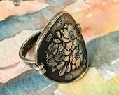 Coin ring - Japan 100 Yen Cherry Blossoms - with silver dime band - Japanese East Asian