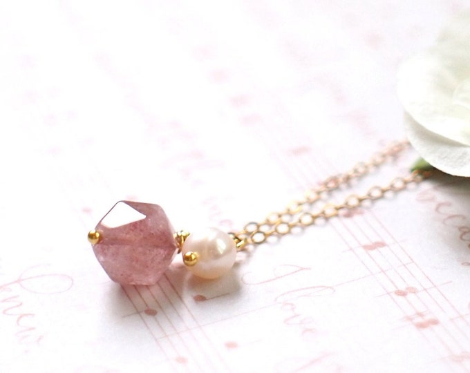 Strawberry Quartz x Pearl Necklace // Gem Stone Pendant // 14K Gold-filled // Romantic & Sweet
