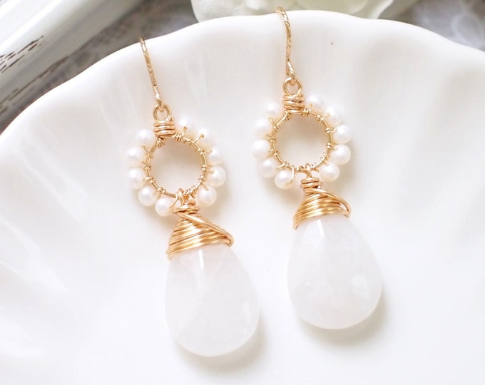 White Quartz x Fresh Water Pearls Earrings // 14K Gold-filled // Wire-wrapped // Precious & Elegant