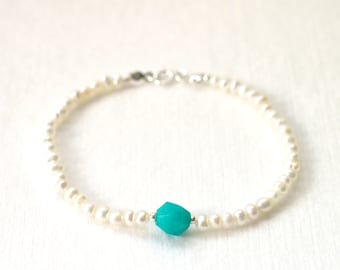 Pearl Bracelet // Amazonite Charm // 925 Sterling Silver // Stackable // Chic & Dainty