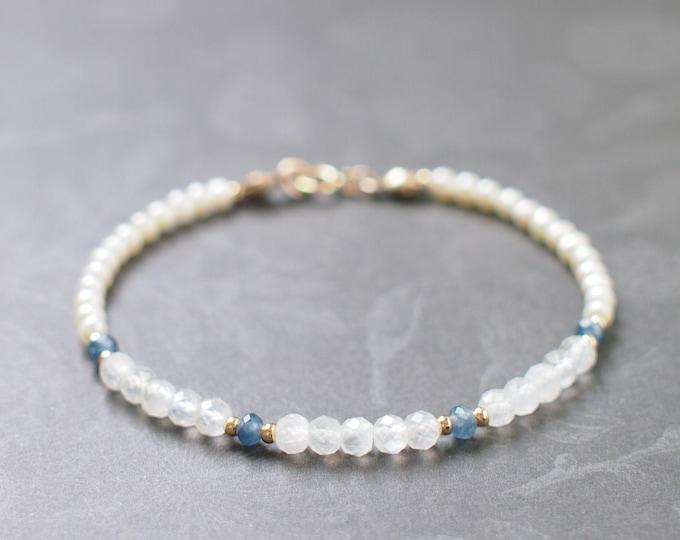 Blue Moonstones x Blue Chalcedony x Pearls Bracelet // Elegant & Unique // Stackable // 14K Gold-filled