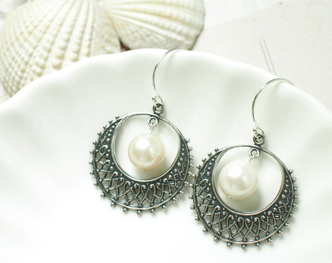 Pearl Filigree Earrings // Shiny & Classy // Vintage Inspired // 925 Sterling Silver