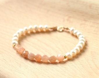 Sunstones x Pearls Bracelet // Sweet and Chic // 14K Gold-filled // Stackable // Feminine & Sweet